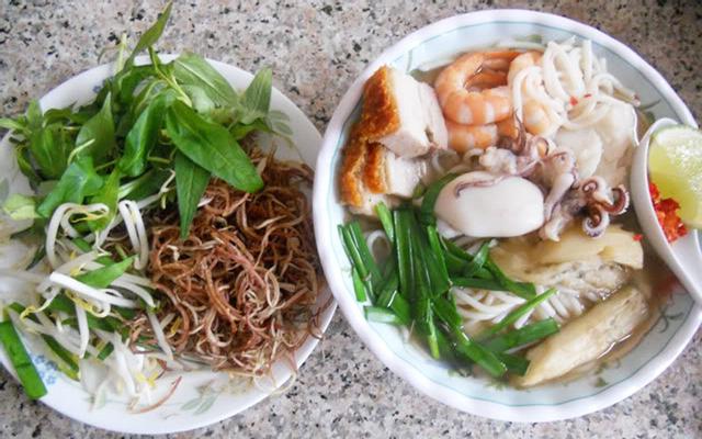 Bún Nước Lèo Sóc Trăng & Dừa Sáp Trà Vinh
