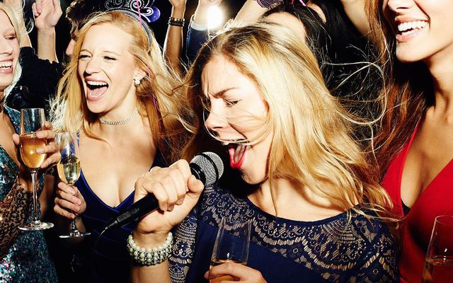 Q7 Karaoke - Tuần Châu