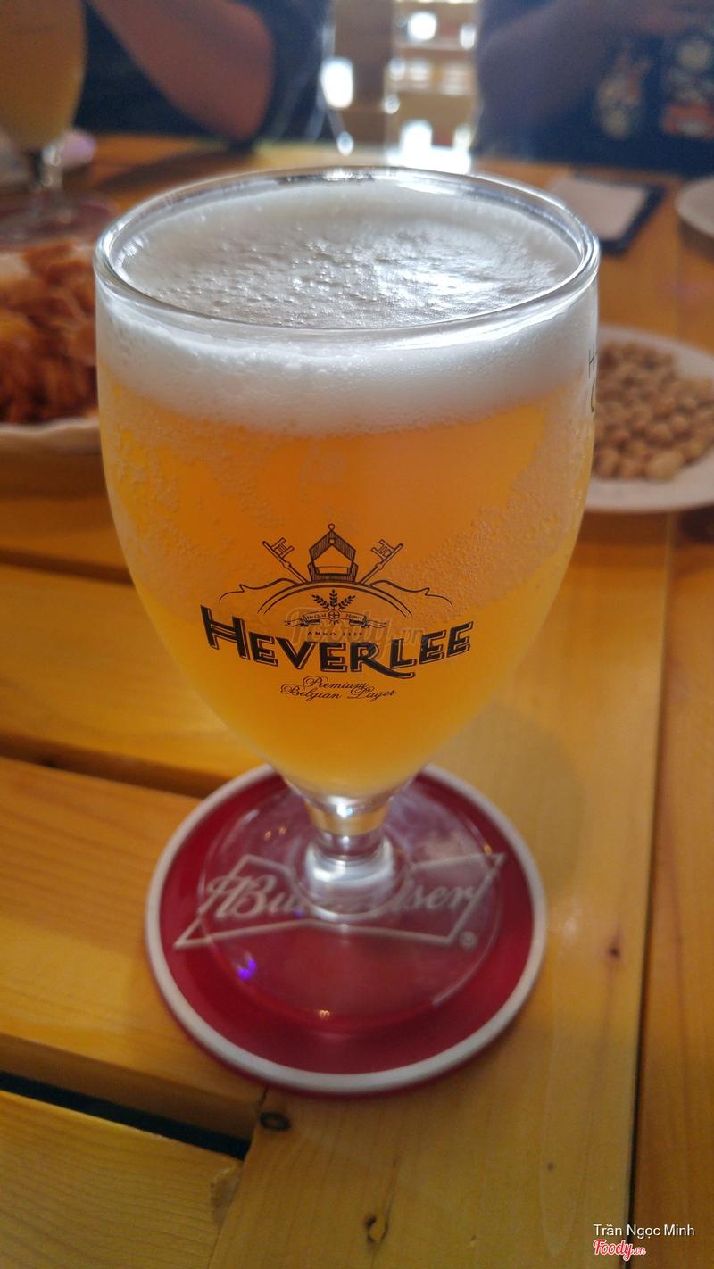 Bia này vị hơi chua và rất thơm mùi thảo mộc
