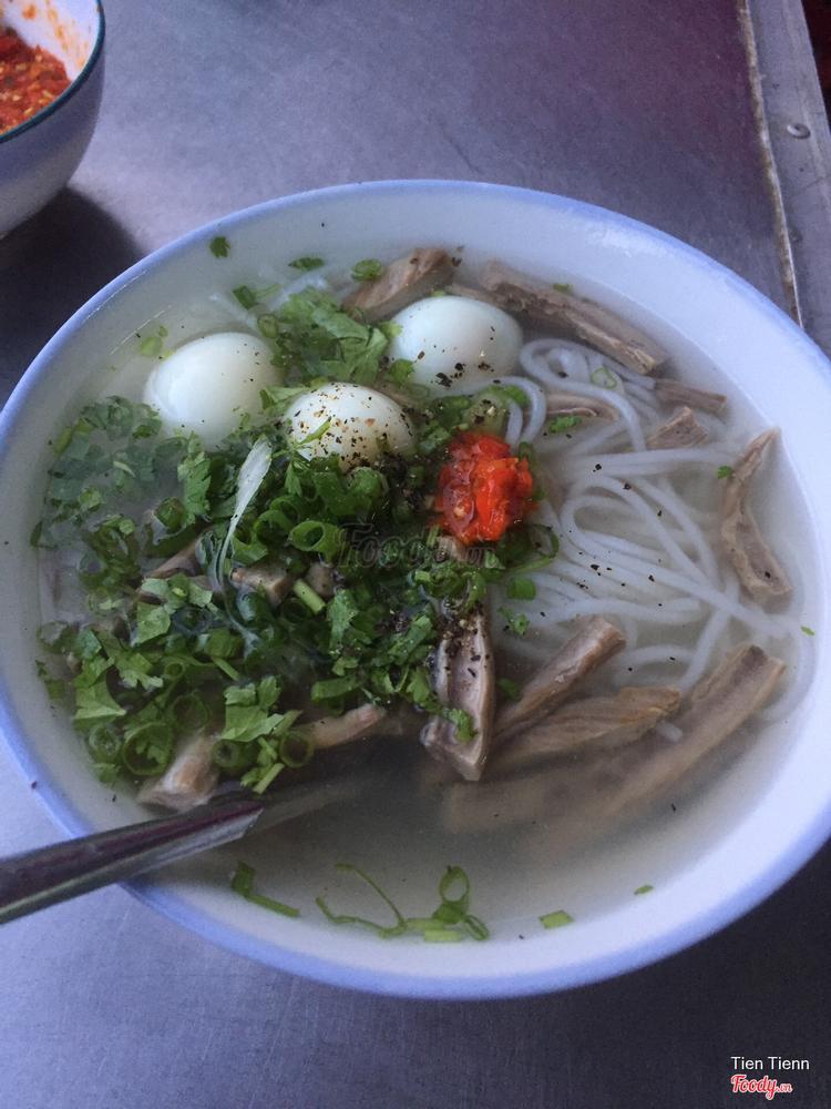 Quán Hồng - Bánh Canh Chả Cá ở Khánh Hoà