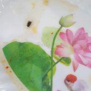 TRONG TÔ PHỞ CÓ RUỒI VÀ KIẾN!!! Lúc bé ở gần nhà nên hay ăn chỗ này vì hương vị ở đây rất ngon, mình vừa quay lại ăn thì không còn hương vị cũ nữa, nước nấu rất ngọt. Lại phát hiện có con ruồi nữa huhu. Mình phản ánh thì nhân viên bảo chắc đang ăn nó ở ra bay vô :(