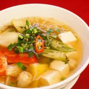 Canh chua bạc hà đậu bắp