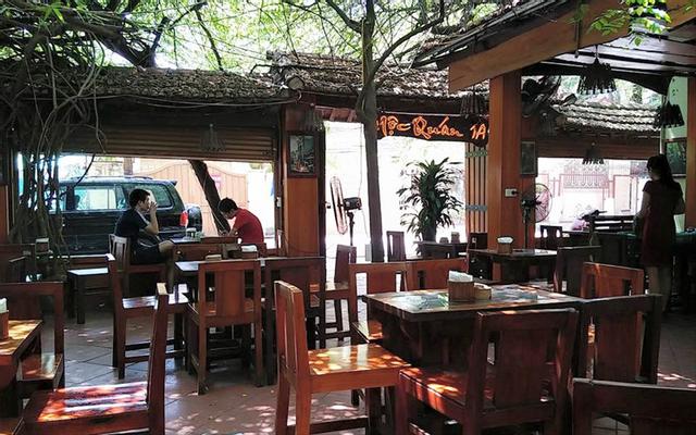 Mộc Quán Cafe - Sân Vườn