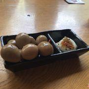 Trứng cút ngâm tương