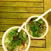 2 chén soup to, nhỏ + trứng bách thảo
