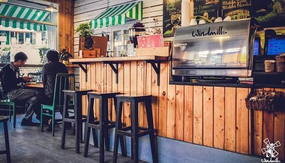 Windmills Cafe - Ba Tháng Hai