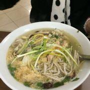 Bún Thang... Nhìn ko j đặc sắc... Ko ngon mắt, ăn cũng tạm :)