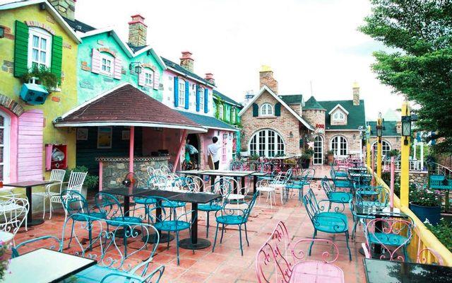 City House Cafe - Sân Vườn Lãng Mạn