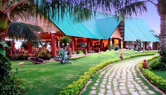 Bốn Biển Resort - Four Oceans Resort
