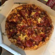 Đi học nhóm gọi pizza ăn