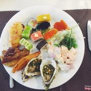 Đồ ăn cũng ok. Thích sushi rồi cơm cuộn các kiểu. Nhưng mà ít hải sản :(