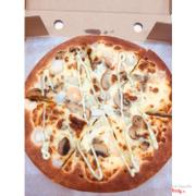 Pizza hải sản pesto
