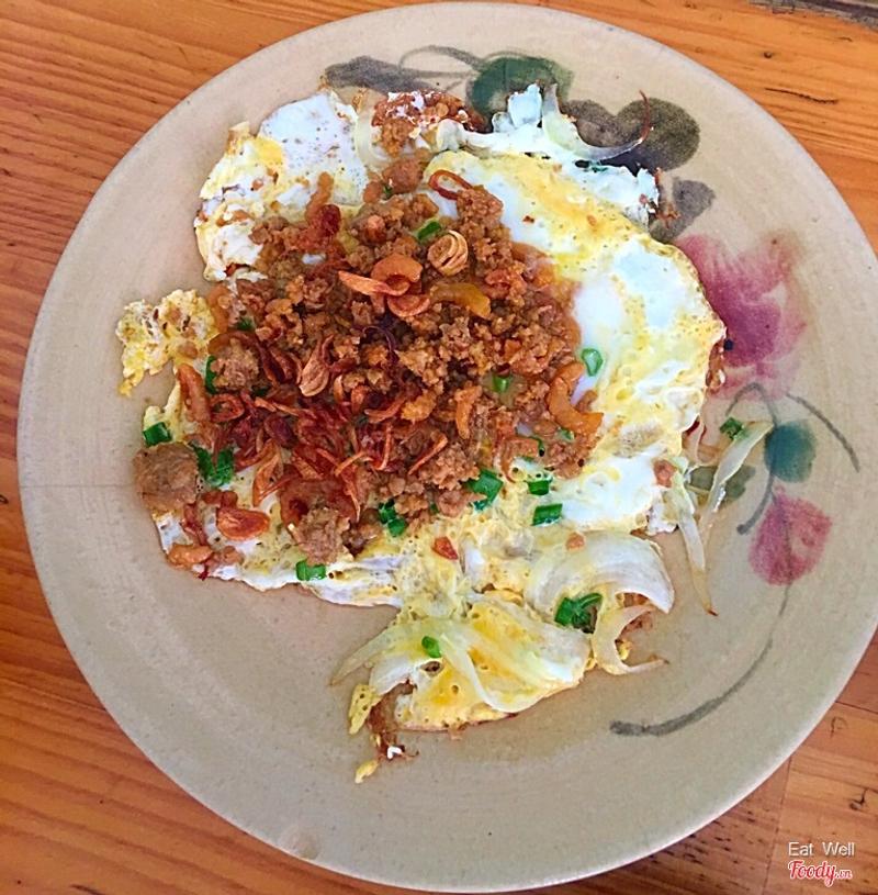 Trứng chiên thịt tôm