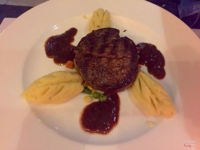 Steak sốt rượu