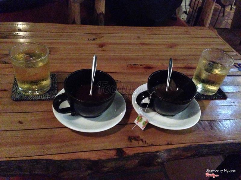 Trà lipton nóng và cacao nóng