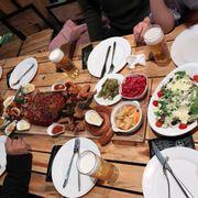Combo thổ dân 899k bọn mình đi 8ng gọi thêm linh tinh nữa mỗi ng có 245k. Nhà hàng sang chảnh đồ ăn ngon :)