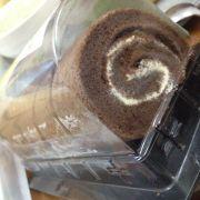 Bánh bông lan cuộn tròn vị socola 33k