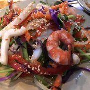 Gỏi hải sản kiểu Thái
