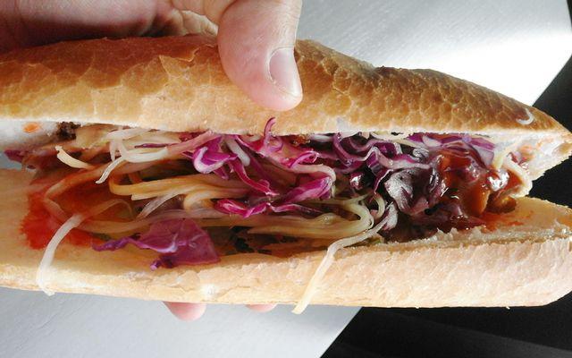 Táo Đỏ - Bánh Mì Kebab