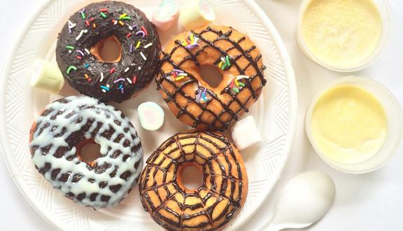 Dolfin House - Donut & Panna Cotta