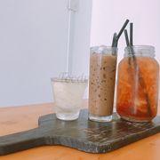Cà phê sữa đá + trà vải!