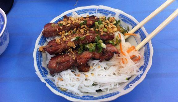 Tư Hoàng - Bún Thịt Nướng & Cơm Tấm