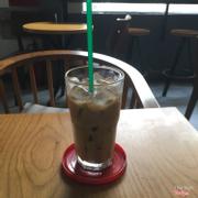 Cafe sữa đá dở tệ.