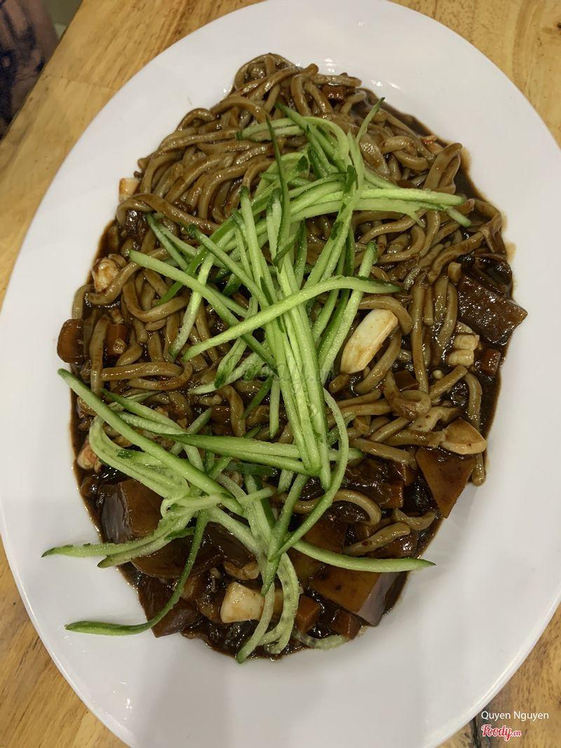 Mỳ tương đen hải sản