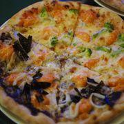 1/2 Pescatore & 1/2 Shrimp Pizza
