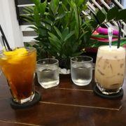 Tối lang thang ghé cafe Cô Ba uống Đào Cam Sả xả stress