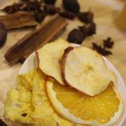 Trái cây sấy khô tại quán