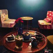 Quán xinh lại ấm 😍 nhạc nhẹ hay có điểm nhấn k bị nhàm ☺️ vào rồi không muốn ra 👍 Trà bánh ngon ăn hợp kinh khủng 😘 Giá tiền cũng như các cậu uống 1 cốc trà sữa bình thường thôi mà lại được view đẹp ghế êm ấm còn xinh 😁 #trà_táo_bạc_hà #trà_cam_đào #tiramisu #redvelvetcrinkles  Instagram chỉnh sáng max đẹp luôn 👍👍👍👍 Cảm ưn bạn giới thiệu nạ 😘😘😘😘