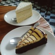 Cheese cake + chocolate mousse
