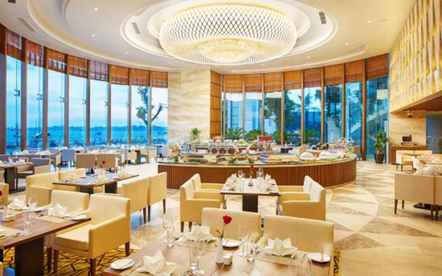 Blue Bay Restaurant - Wyndham Legend Halong