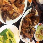 Salad dầu giấm (15k), kêu nhiều ăn cùng với gà sẽ đỡ ngán ^^.