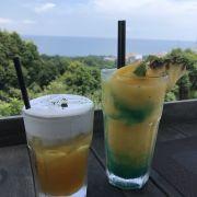 Jasmine tea & Tropicana