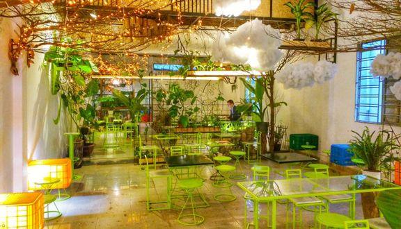 Bus Coffee & Tea House - Núi Thành