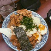 Mì ramen siêu ngon, ngon hơn mấy chỗ trong takashimaya nhiềuuuuu. 1 tô bự chà bá lun