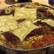 Lẩu Bò Nấm Phô Mai