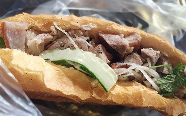Bánh Mì Heo Quay Cô Tuyết - Lê Đình Lý