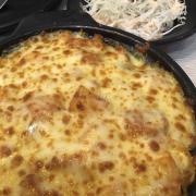Tobokki phô mai. (Không ngon bằng chi nhánh Q7). Bắp cải sốt Mayonnaise là tiệm cho sẵn, ăn hết có thể gọi thêm miễn phí nha.