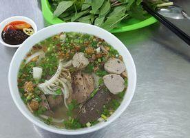 Chú Tư Già - Hủ Tiếu Bò Viên - Saigon House