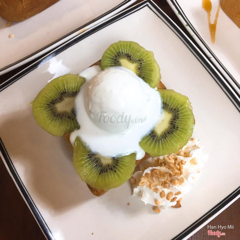 bánh toast kiwi
