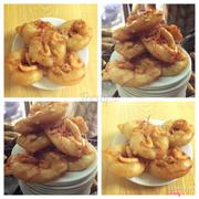 Shrimp cakes!  Món Bánh Tôm nóng hổi và giòn tan đã có mặt ở cửa hàng bún chả Hàng Mành Hùng Thái tại 107 B1 Khu Tập Thể Thành Công. Các bạn hãy đến thưởng thức món ăn thơm ngon và hấp dẫn này!