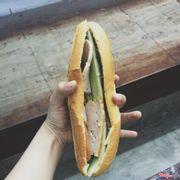 Bánh mì thịt chả 10k