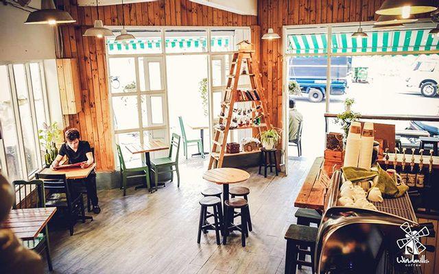 Windmills Cafe - Phan Đình Phùng