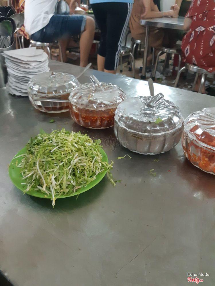Nguyên Loan - Bún Cá ở Khánh Hoà