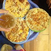 Bánh tráng vị cũng bình thường, theo quan điểm cá nhân minh thấy ko ngon bằng bánh tráng nướng ở Tạ Quang Bửu. Bánh tráng phô mai mà ko tìm đâu cho ra phô mai 😌