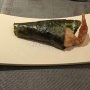 Sushi cuộn cua lột