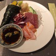 Sushi handroll & sashimi